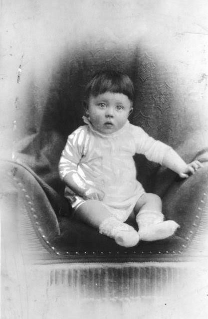 Adolf Hitler criança