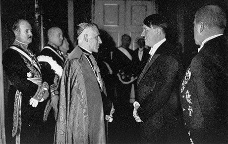 Hitler e o Papa juntos