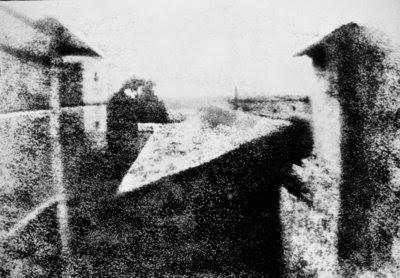 Primeira fotografia da historia (foi tirada na França)