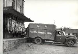 VEÍCULO DE DISTRIBUIÇÃO DE CARNE PARA GOIÂNIA 1955